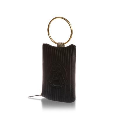 nubi-logo clutch black